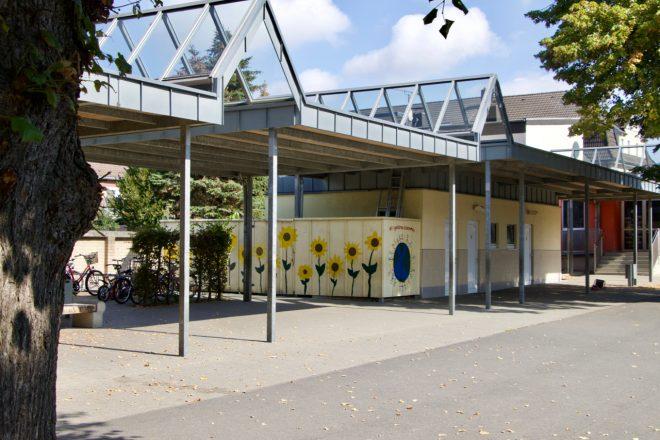 Schulhof Übergang - 1 (1)