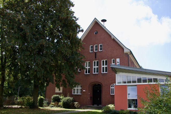 Volksschule vorne - 1